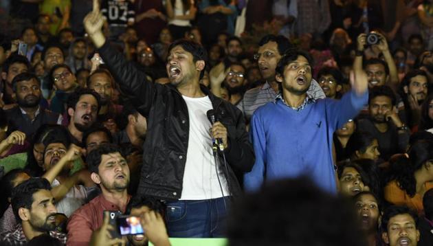 Kanhaiya Kumar addresses JNU students after his release in New Delhi.(HT FILE)