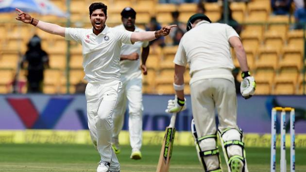 Australia cricket team captain Steve Smith himself struggled with the bat on the challenging M Chinnaswamy Stadium pitch during the second Test vs India cricket team. Umesh Yadav trapped him leg before during the second innings on Day 4, Tuesday, while he could only manage 8 in the first innings.(PTI)