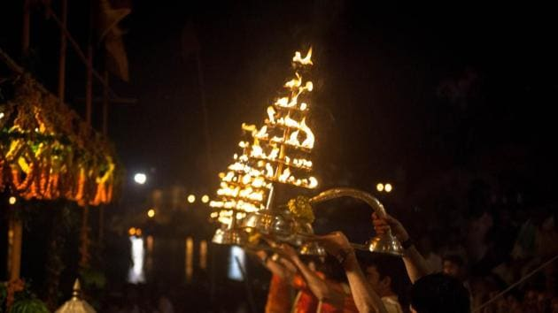 The highlight of this festival will be a lamp-lit show of spiritualism inspired by the elaborate 'Ganga Aarti' on the ghats of Varanasi.(HT FIle Photo)