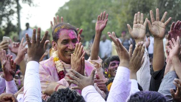 In the battle of the Gujjars in Dadri, Bharatiya Janta Party (BJP)'s Tejpal Singh Nagar (centre) won by over 80,000 votes on Saturday.(Sunil Ghosh/HT Photo)
