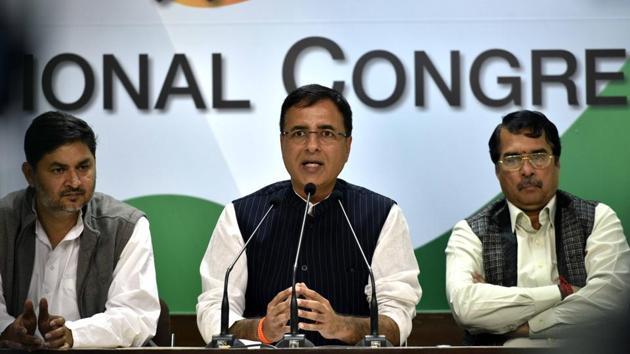 Congress leader Randeep Surjewala during press conference at the party headquarters in New Delhi, India.(Arun Sharma/Hindustan Times)