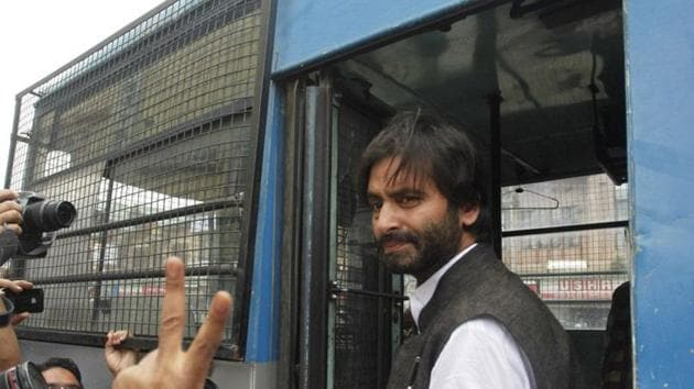 Yasin Malik, chairman of separatist Jammu Kashmir Liberation Front (JKLF), was detained on Sunday ahead of a demonstration.(HT File Photo)