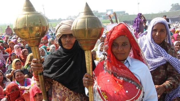 Jat protesters at Jassia village, Rohtak, on February 15.(Manoj Dhaka/HT Photo)