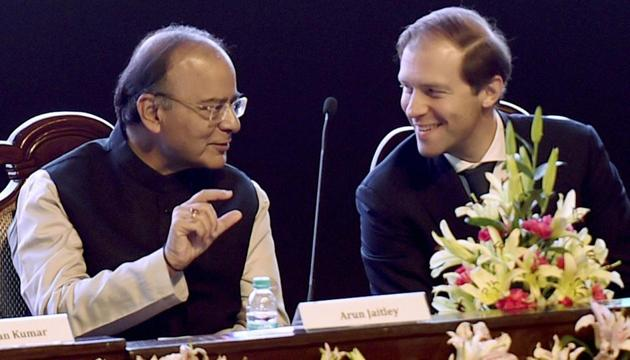 Defence minister Arun Jaitley with minister of industry and trade of the Russian Federation, Denis Manturov during the India-Russia Military and Industrial Conference on March 17.(PTI photo)