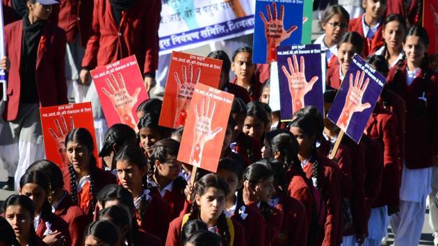 Students take part in an AIDS awareness rally, Shimla, December 13(Deepak Sansta / Hindustan Times)