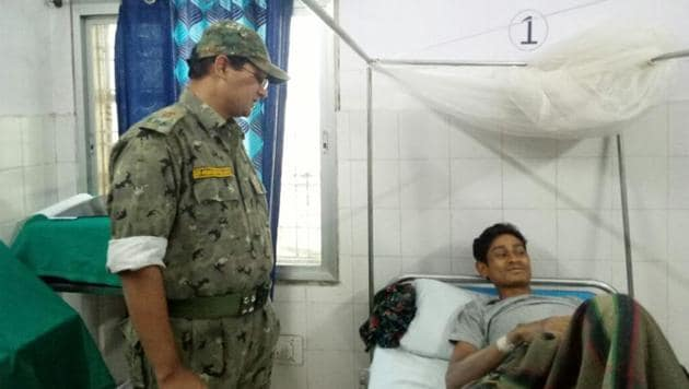 IPS Abhishek Pallav with Somaru on March 19.(HT Photo)