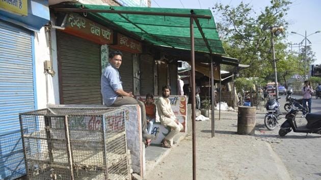 Meat shops were closed following traders strike against the government's crackdown on slaughter house in Ghaziabad on Monday.(Sakib Ali/HT Photo)