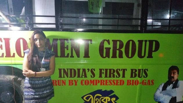 The bus was decked up at Ultadanga in the northern fringes of Kolkata on Thursday evening.(HT Photo)