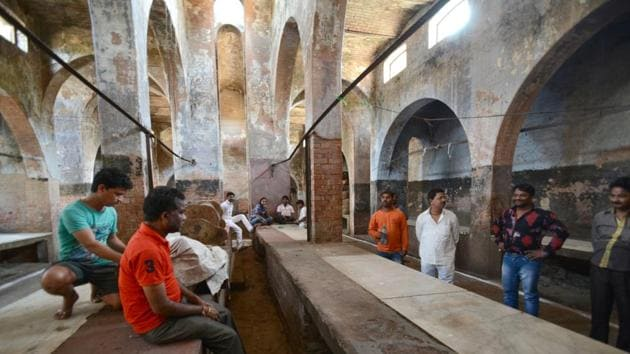 A slaughterhouse in the Qaiserbagh area of Lucknow wears a deserted look after the ban on illegal abattoirs came into effect in March. The ban has cut supply of buffalo hides to leather industry across the country.(HT Photo)