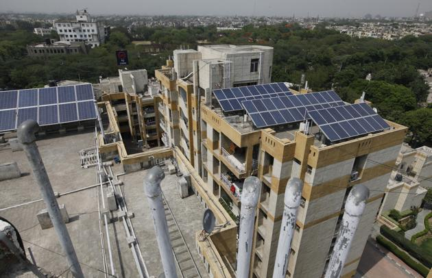 The participants in the community-based energy conservation initiative Vidyut Rakshaka have not only been able to save 5-10% in terms of electricity cost, they were also able to help reduce carbon footprint.(HT Photo for Representational Purpose Only)