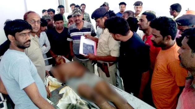 The body of Mohammad Shalik in hospital on Thursday. Police said three persons have been arrested for the assault.(HT photo)