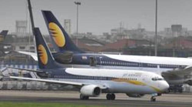 Jet airways Aircraft taxis for take off at Mumbai International Airport in Mumbai.(Livemint)