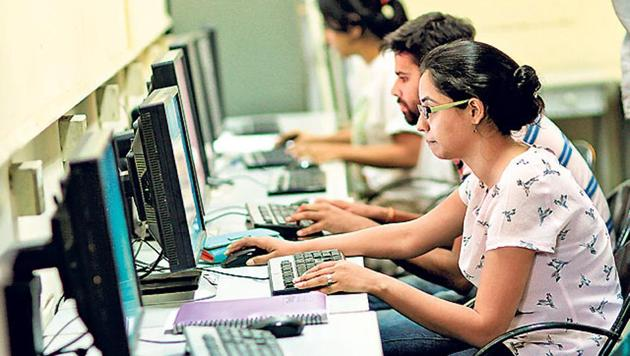 Students of English literature in Delhi University will be taught to write Facebook posts.(Arun Sharma/HT Photo)