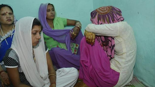 The bride's family alleged that they were asked for a dowry of ₹1 lakh and filed a police complaint in the issue.(Sakib Ali/HT Photo)