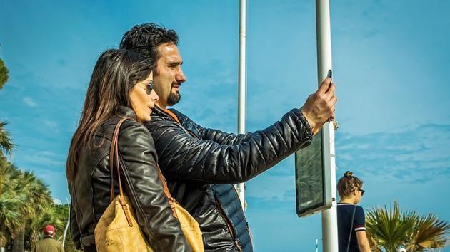 5 simple tricks for flawless selfies(Pexels)