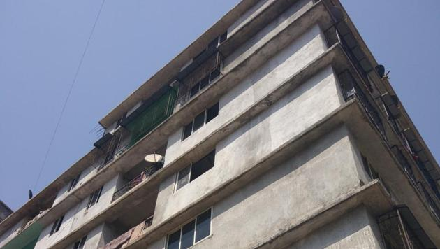 The building in Mumbra from where Nazim was arrested.(HT FILE)