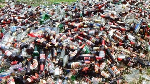 A police team destroyed about 800 litres of illicit liquor and seized another 150 litres in Bhojpur district of Bihar.(Representative image)
