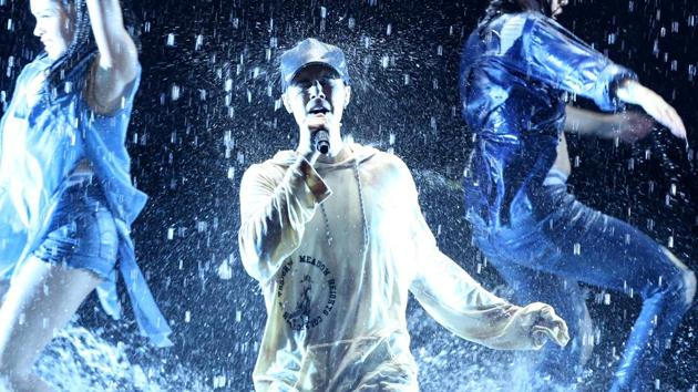 Pop star Justin Bieber will come to India three days before his Mumbai concert, and stay for two more days after the gig.(Matt Sayles/Invision/AP)
