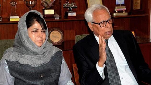 Jammu and Kashmir governor NN Vohra, seen here with chief minister Mehbooba Mufti, met Union home minister Rajnath Singh.(PTI File)