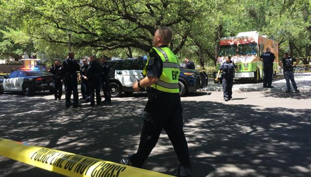 Emergency personal work near the scene after a fatal stabbing attack on the University of Texas campus Monday, May, 1, 2017.(AP Photo)