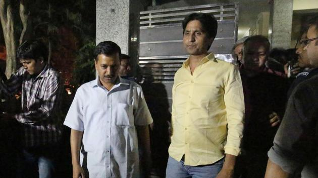 Kumar Vishwas, who has in the past taught in a college in Rajasthan, now has a big task on hand. Rajasthan is likely to be a major election for the AAP which has faced a humiliating defeat in Goa and came second in Punjab.(Ravi Choudhary/HT PHOTO)
