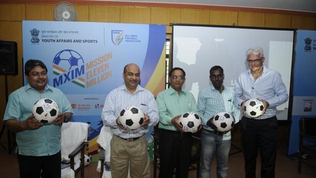 Dignitaries at the seminar to promote football.(HT Photo)