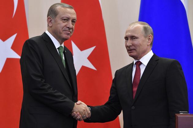 Russian President Vladimir Putin with his Turkish counterpart Recep Tayyip Erdogan in Sochi.(AFP)