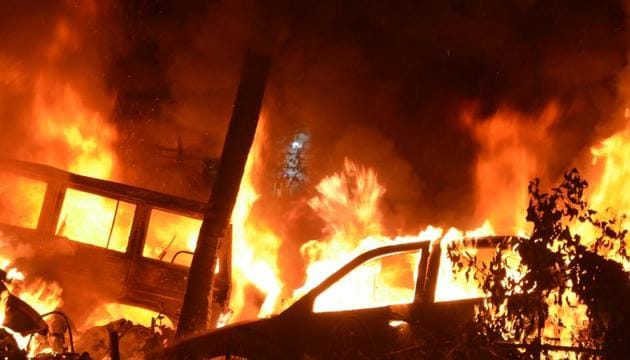 Fire at Kotwali police station in Patna on Thursday.(A P Dube)