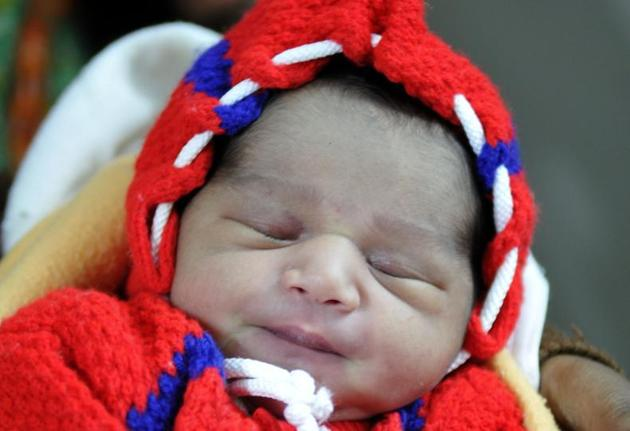 Of the 2,987 normal deliveries, 1,600 babies were born in the day and 1,392 arrived at night in the same time period.(HT Representative Image)