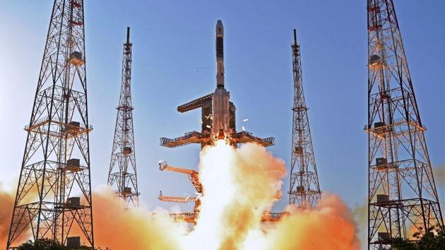 ISRO's communication satellite GSAT-9 on-board GSLV-F09 lifts off from Satish Dhawan Space Center in Sriharikota on May 5.(PTI Photo)