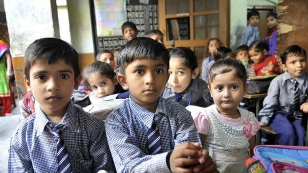 Adverse pupil­-teacher ratio in state schools is affecting the learning process.(HT File Photo)