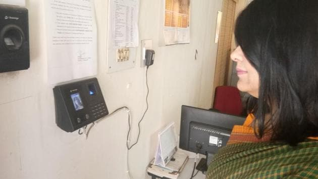 A staff member shows how the system works.(HT Photo)