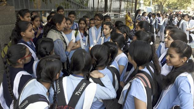 Andhra Pradesh's Board of Secondary Education declared the result of Senior Secondary Certificate (SSC) on Saturday and said 91.92% students have cleared the Class 10 board examination.(Sonu Mehta/HT file)