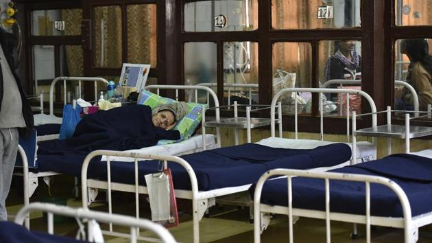 All the 14 workers were admitted to a government hospital.(HT Photo/ Representative image)