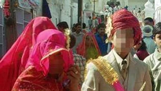 A minor girl, who a relative claims is studying in Class 6, was married off to her boyfriend following a panchayat order in Uttar Pradesh.(HT Photo/ Representative image)