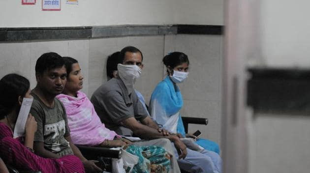 Each year, annual influenza outbreaks affect 5-15% of the world's population, estimates the World Health Organisation, causing symptoms of fever, lethargy and cough.(Parveen Kumar/Hindustan Times)