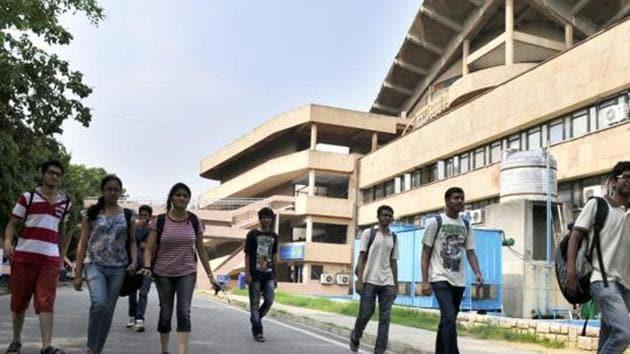 Students at IIT Delhi campus in New Delhi.(HT Photo)