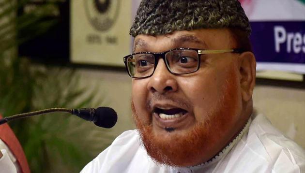 Former shahi Imam of Tipu Sultan Shahi Masjid Syed Noor-ur Rahman Barkati interacts with the media during a press conference in Kolkata.(PTI File Photo)