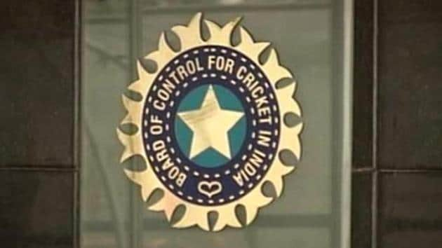 CoA members Diana Edulji and Ramchandra Guha were in favour of implementing the suggestion, according to sources. BCCI acting president CK Khanna and secretary Amitabh Choudhary were also present at the board's captains and coaches conclave. The suggestions will be forwarded to the BCCI's technical committee headed by Sourav Ganguly.(HT Photo)