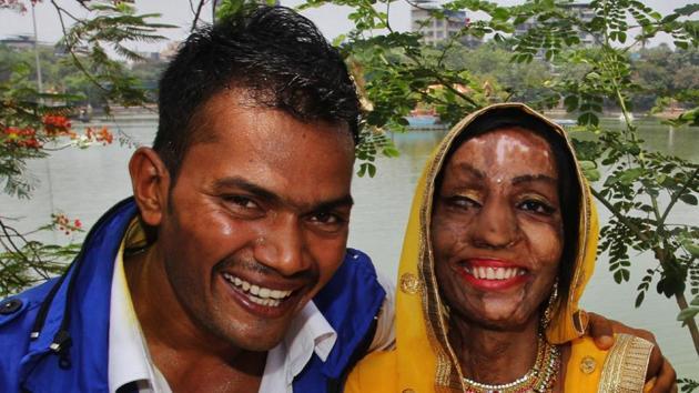 <p>Acid attack survivor Lalita Ben Bansi, 26, got married to Ravi Shankar, 27,  in Thane on Tuesday.</p> (Praful Gangurde/HTPHOTO)