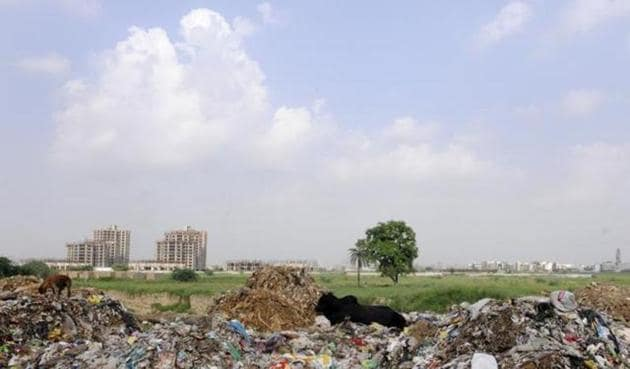 There are over 300 hazardous waste dumps across India, and in many places the land is being used for habitation and agriculture. (Representative photo)(Sunil Ghosh/HT Photo)