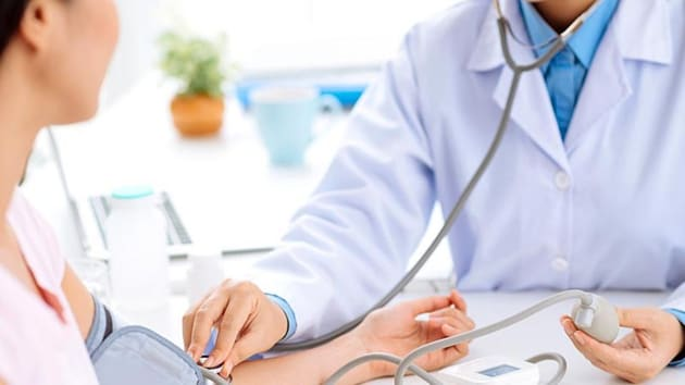 Close to 10,000 medical aspirants will be benefited after lowering of NEET PG cut offs(Shutterstock)