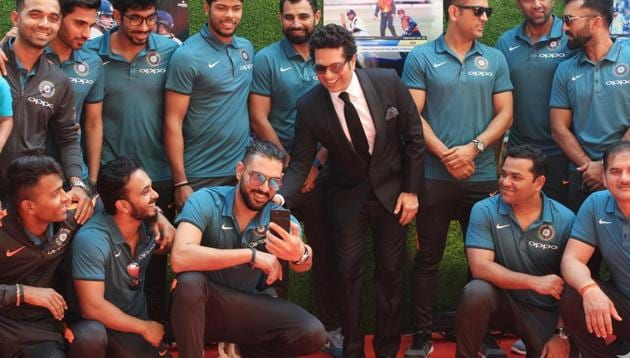 <p>The Indian cricket team players, who departed for England for the upcoming ICC&thinsp;Champions Trophy 2017 late on Wednesday, had a date they couldn&rsquo;t...