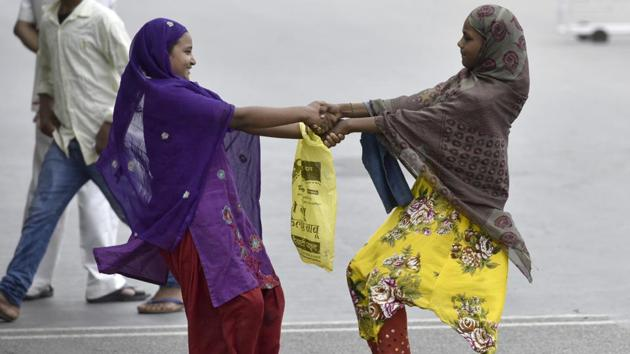 Factors contributing to low enrolment and high incidence of drop outs among Muslim girls were poverty, absence of separate girls schools, conservative attitudes and early marriages.(Arun Sharma/HT File Photo)