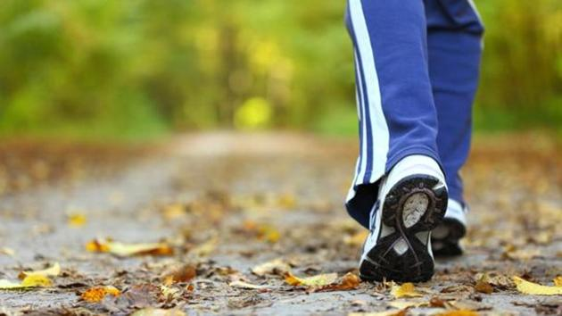 According to a new study, remaining sedentary and forgoing running for exercise was associated with a rate of knee and hip arthritis of 10.2%, while training and running competitively increases the incidence of arthritis in these joints to 13.3%.(Shutterstock)