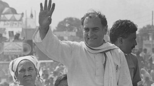 Rajiv Gandhi on the Sadbhavana Yatra on October 14, 1990.(HT Photo/ Arun Jetlie)