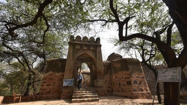 It is believed that the palace was a lodge gifted by Delhi sultan Firuz Shah Tughlaq to a woman from Rajasthani Bhatiara community, who had given him a draught of water.(Sushil Kumar/HT PHOTO)