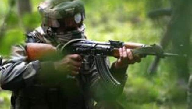 Five civilians received pellet injuries when they made an attempt to stall the counter-insurgency operation on Kulgam on Friday, officials said.(HT file)