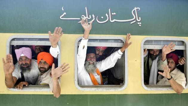 This is the second Sikh jatha (group of pilgrims) to have been denied permission to visit the neighbouring country amid deteriorating Indo-Pak ties.(HT File Photo)