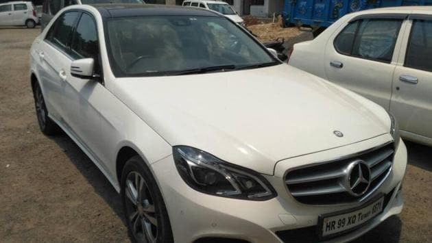 Fazilpuria, who resides in Gurgaon, was driving a white Mercedes Benz with a temporary licence Haryana number, and the car was seized, police said.(HT PHOTO)